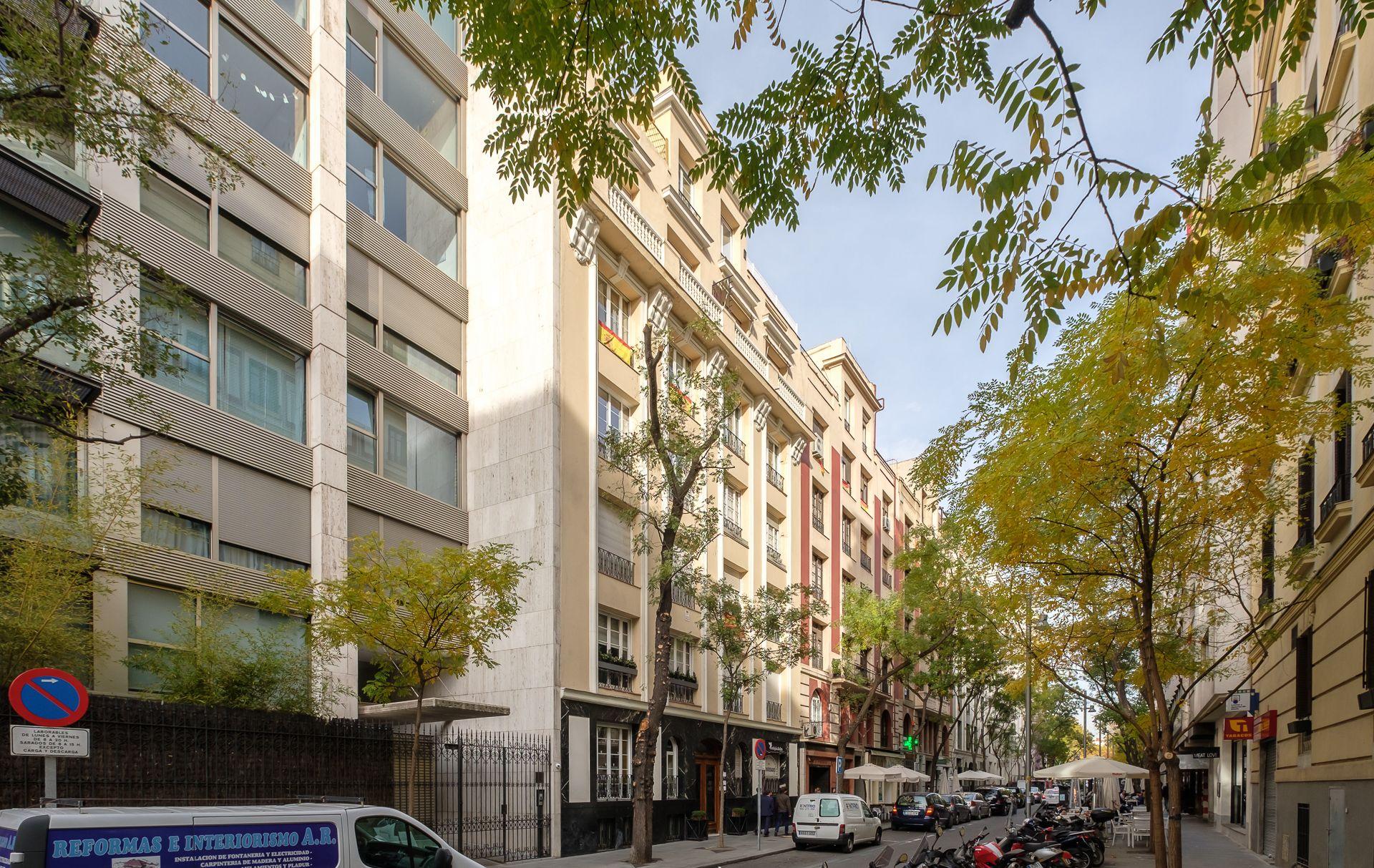 Obra reforma vivienda Madrid by UXBAN - Hermanos Becquer