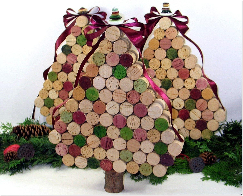 Árbol de Navidad reciclado con corchos