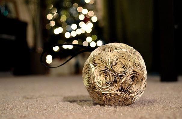 Bola para árbol de navidad de papel
