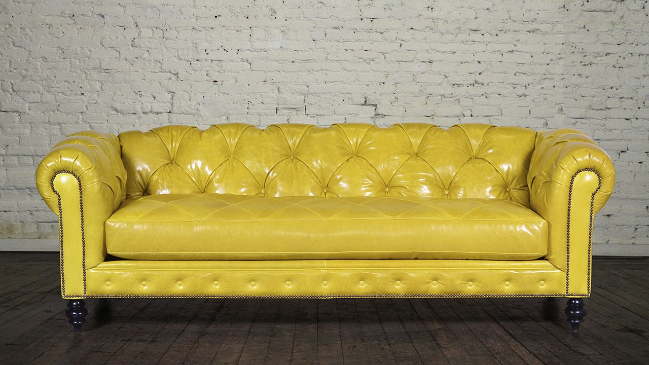 Sofá Chesterfield amarillo
