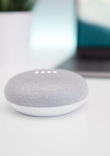 Google Home Mini: elegancia y milimalismo en un dispositivo