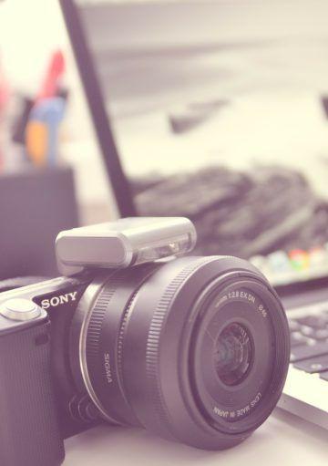 ¿Es mejor una cámara compacta o una cámara reflex para fotografiar viviendas exclusivas?