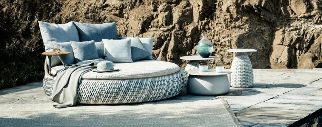 Sofá isla de exterior de diseño
