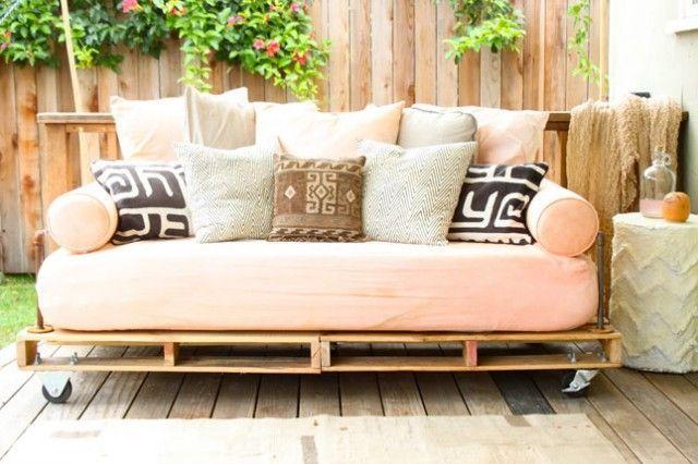 Sofá de palets para jardín o terraza