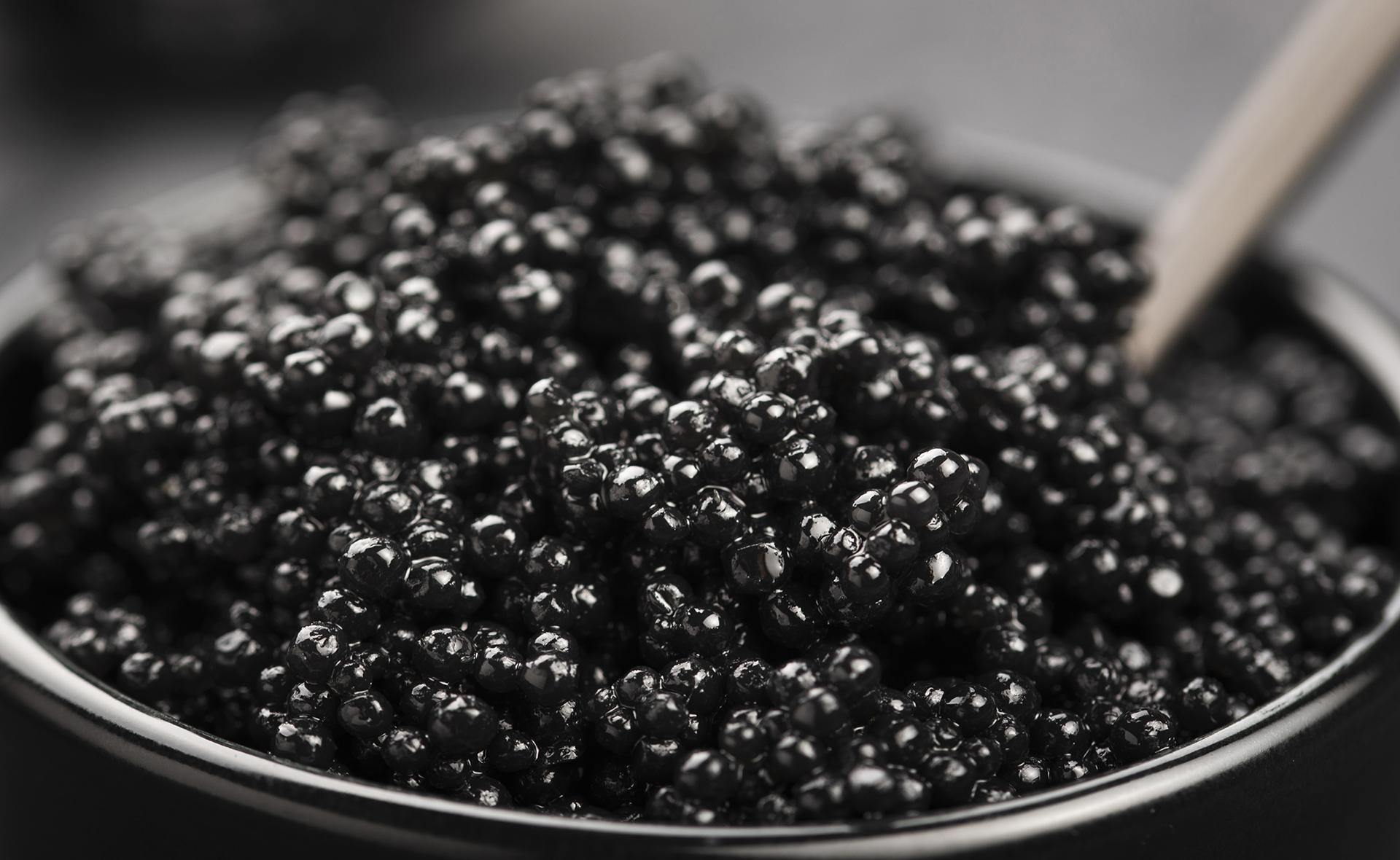 ¿Qué es en realidad el caviar? Tipos, precios y características